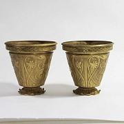 Pair of golden bronze pots. - 2