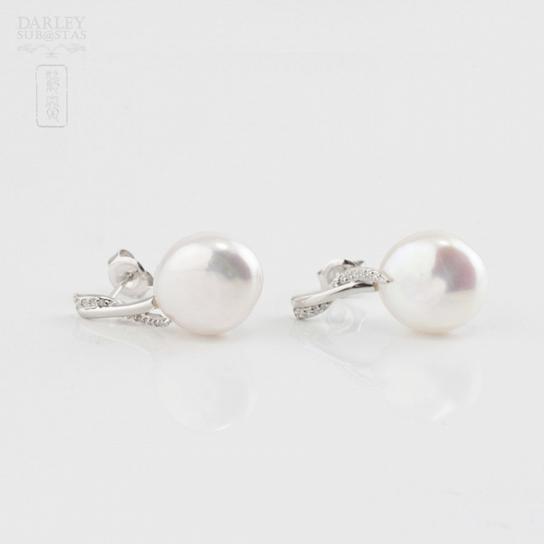 Baroque pearl and diamond earrings - 2