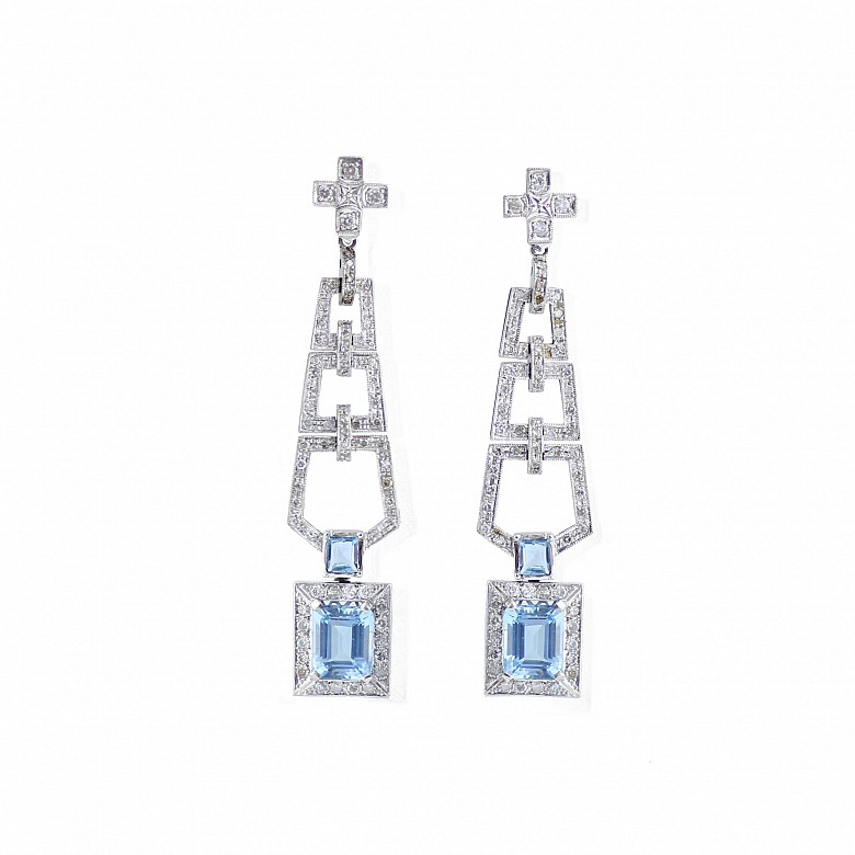 18k white gold earrings with blue topazes and diamonds