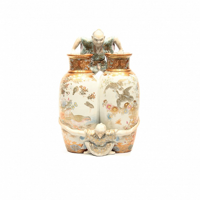 Japanese vase with Ashinaga and tenaga characters. Kutani Meiji period 1868-1912