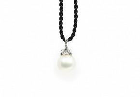 Gargantilla en oro blanco de 18k, con perla australiana y diamantes