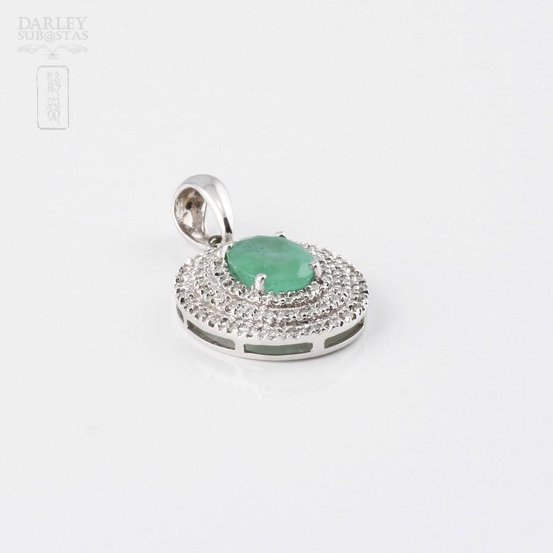 Colgante con esmeralda 1.26cts y diamantes en oro blanco de 18k - 3
