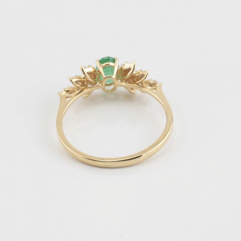 18k yellow gold ring, diamonds and emerald - 2