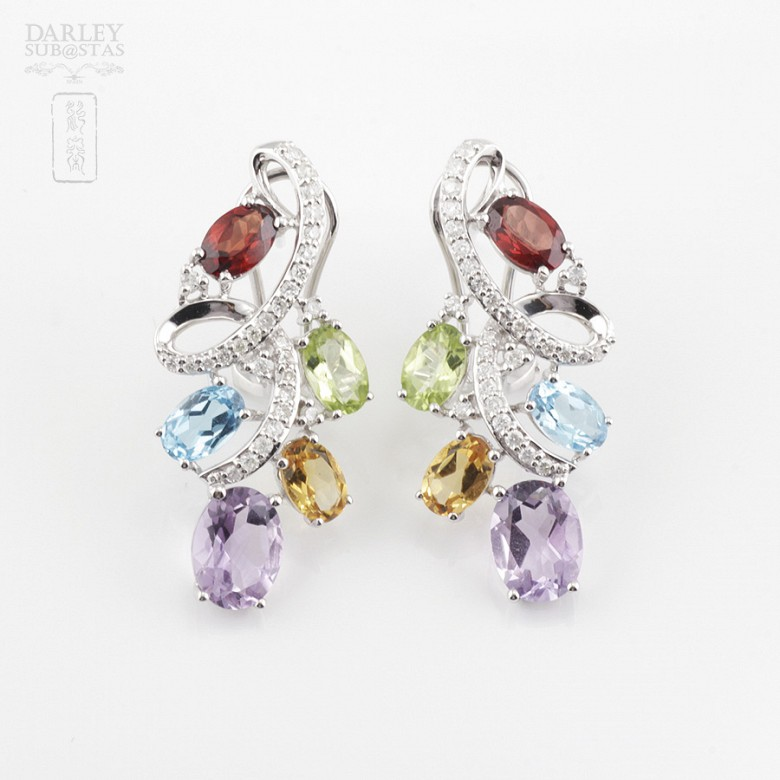 Fantásticos pendientes en oro blanco 18k con gemas semipreciosas y diamantes