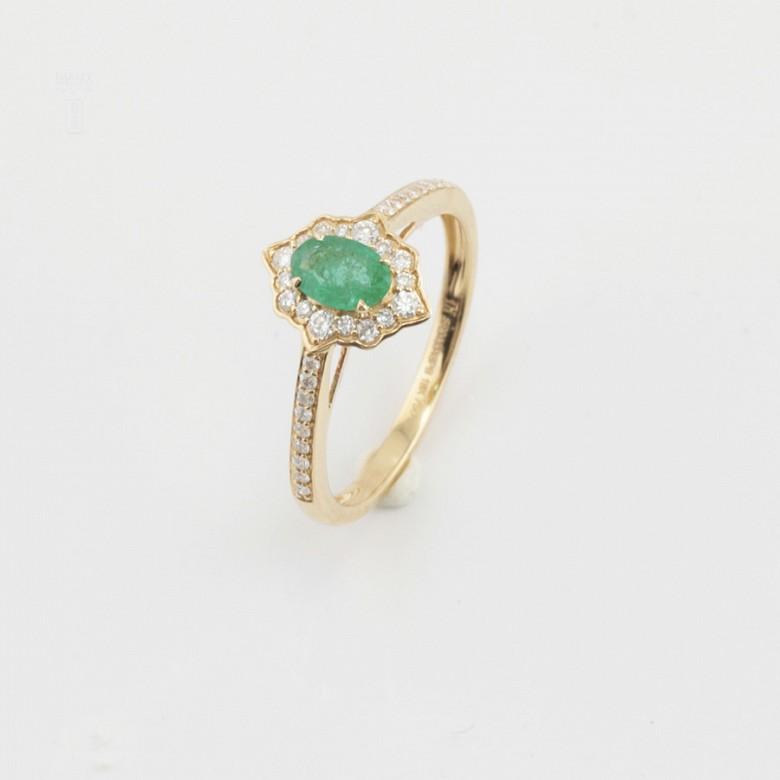 Precioso anillo oro 18k, brillantes y esmeralda - 3