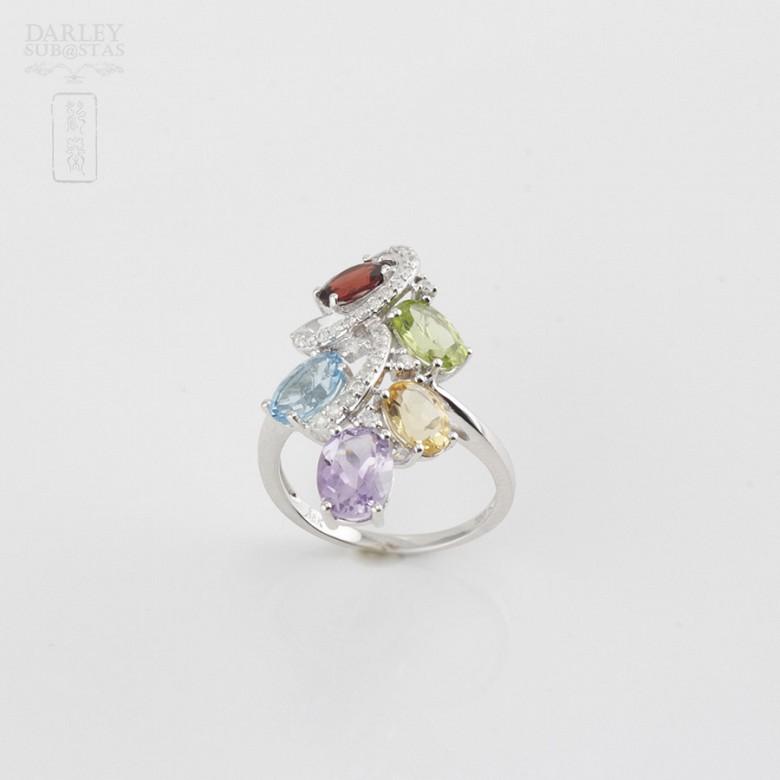Bonito anillo en oro blanco 18k  con gemas semipreciosas y diamantes - 1