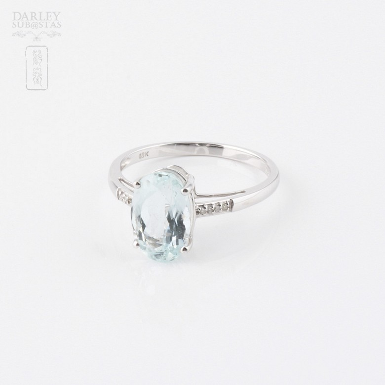 Ring with Aquamarine 2.18 cts and diamonds in 18k white gold - 2