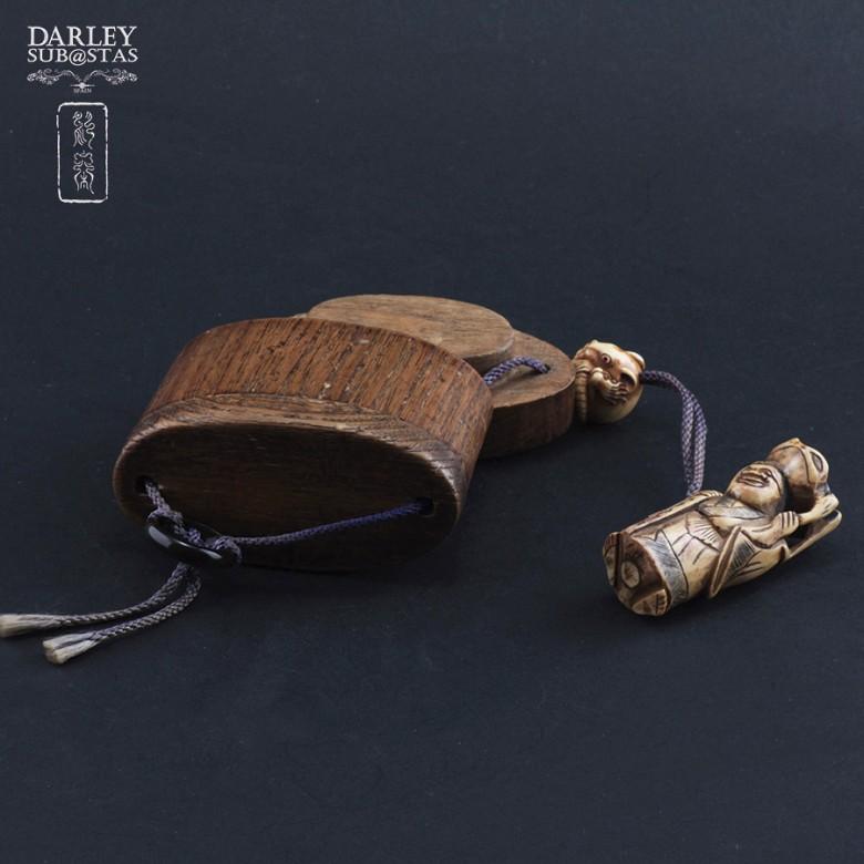竹制玛瑙石刻挂包 - 4