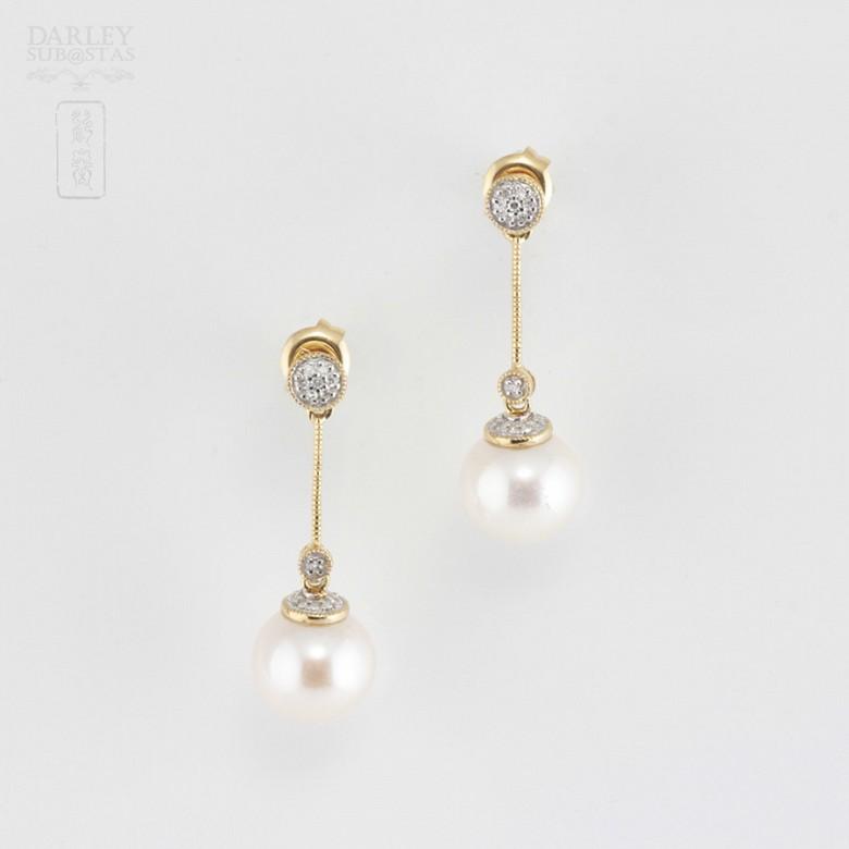 Bonitos pendientes con perla y diamantes