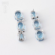 Pair of earrings in 18k white gold with 19.48 cts of Total topaz and diamonds - 1