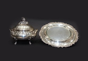 Silver tureen with tray and glass holder