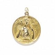 Medalla de oro amarillo de 18k, con diamantes y un rubí, ca.1920