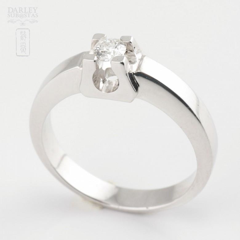 Solitario de diamante 0.16cts en oro blanco de 18k