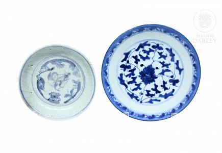 Dos platos, porcelana azul y blanco, s.XIX