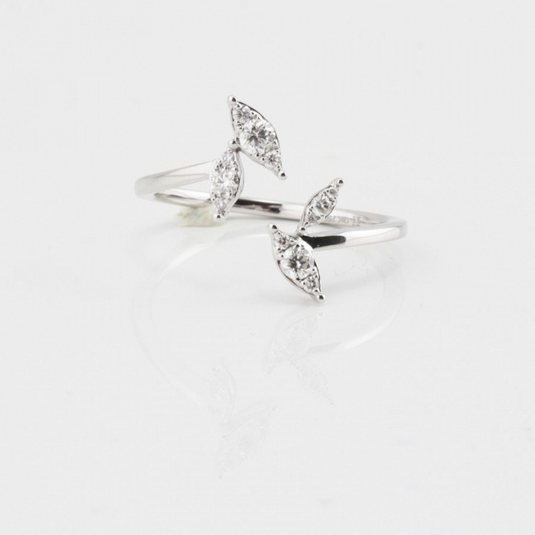 Original ring 18k white gold and diamonds