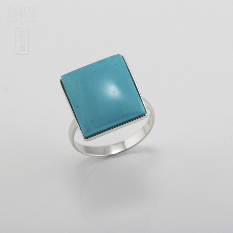 Ring Natural Turquoise  in 18k White Gold