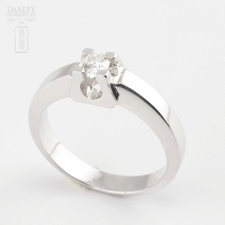 Solitario de diamante 0.16cts en oro blanco de 18k - 1
