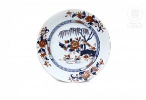 Porcelain plate, Compagnie des Indes, 19th century.
