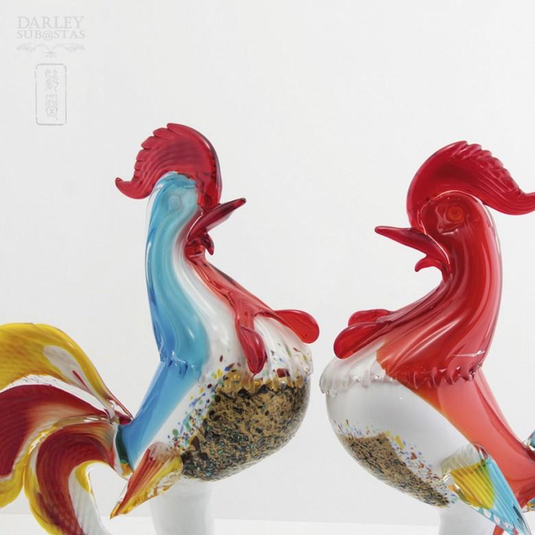 Pareja de gallos de cristal de Murano, s.XX - 2