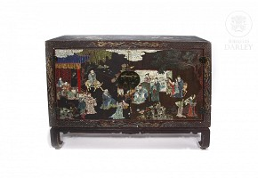 Chinese sideboard in lacquered wood, Qing dynasty.