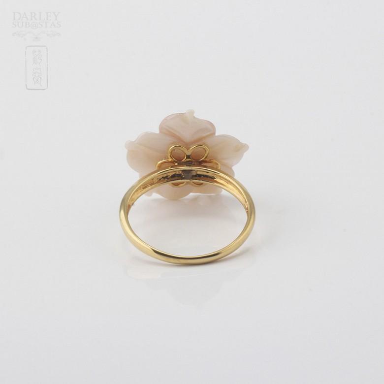 天然珍珠贝配钻石18K黄金戒指 - 3