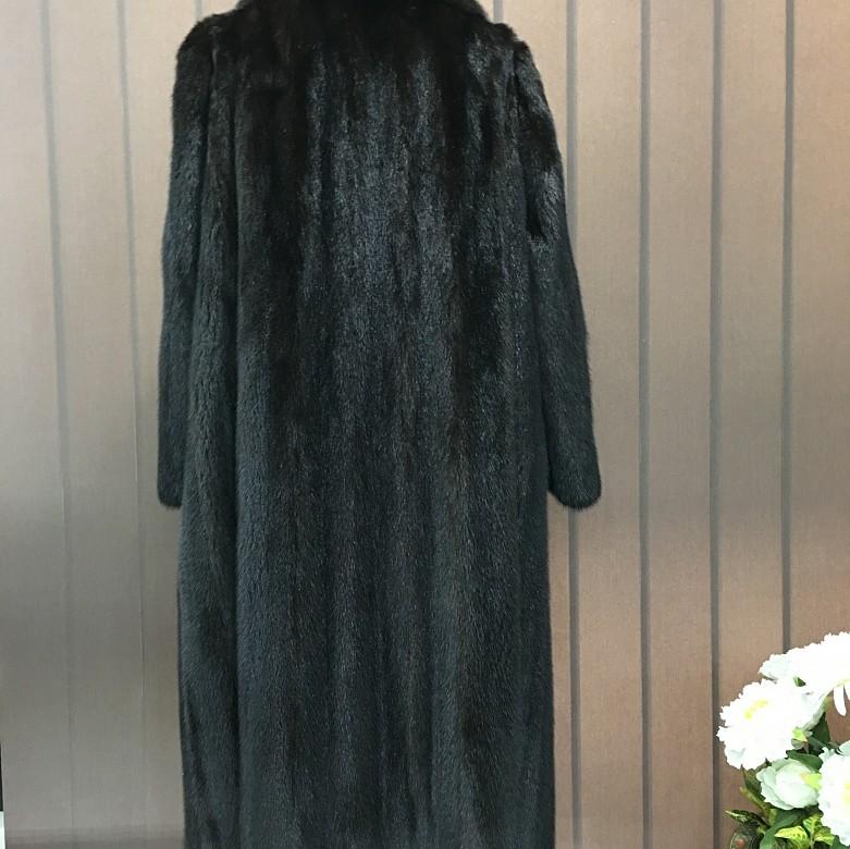 Nice mink fur coat dark brown color and long cut. - 3