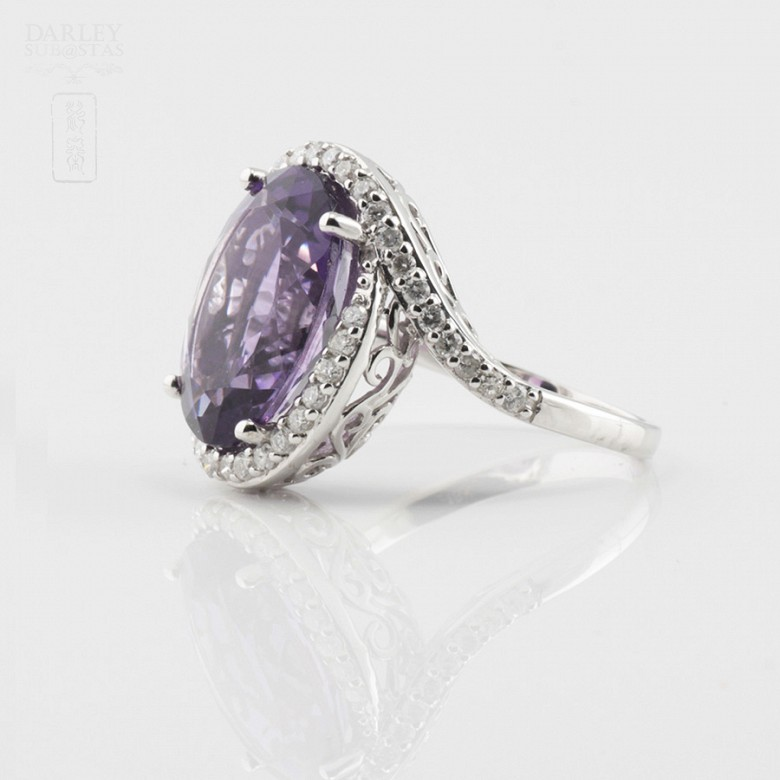 0.61cts beautiful ring with diamonds and amethyst in 18k White Gold - 1