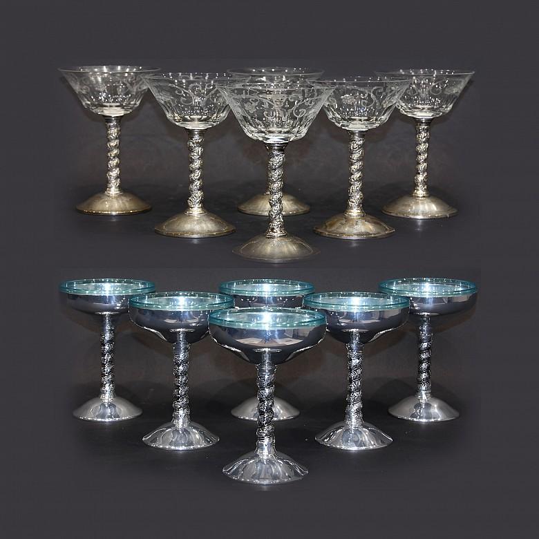 Conjunto de copas de martini y cocktail
