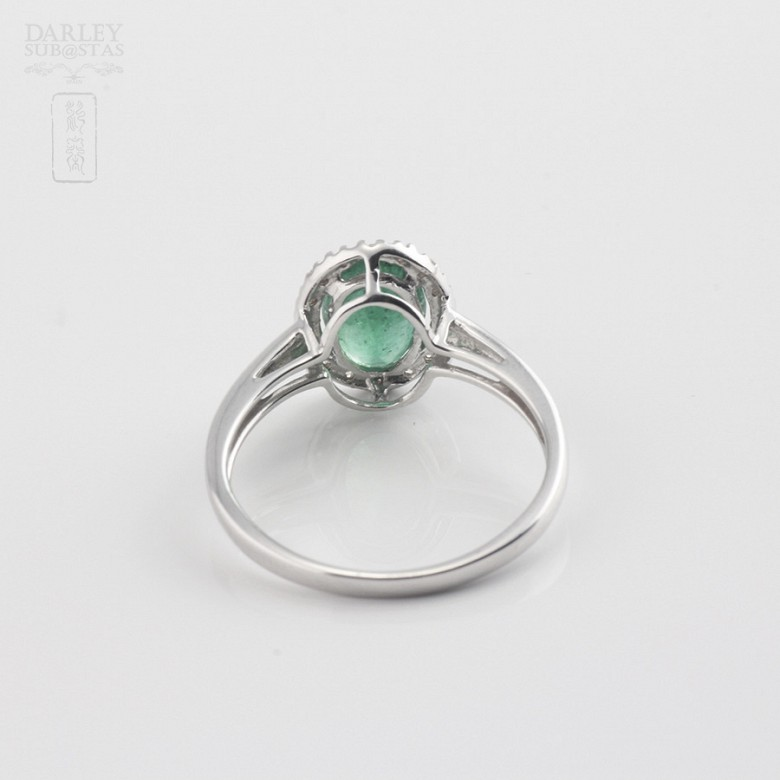 Ring with 1.21cts emerald  and diamonds  in white gold - 3