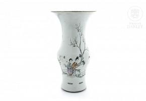 Glazed porcelain vase, famille rose, 19th century-20th century