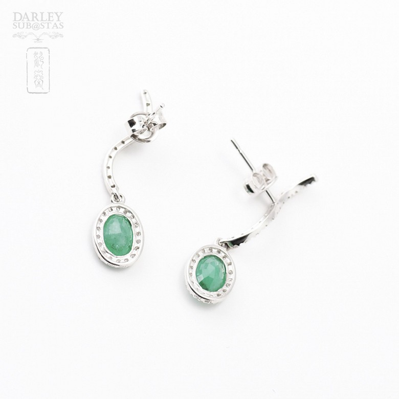 Earrings with 1.56 cts Emerald  and diamonds in 18k white gold - 1