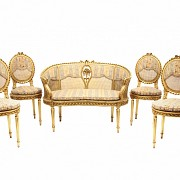 Canapé y cuatro sillas estilo Luis XVI  con asiento de rejilla, ffs.s.XIX