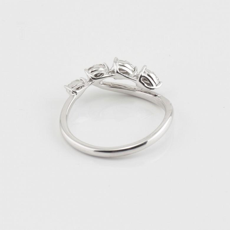 Original anillo en oro blanco 18k y diamantes 0.29cts - 1