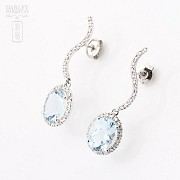 Aquamarine Earrings in 18k white gold and diamonds