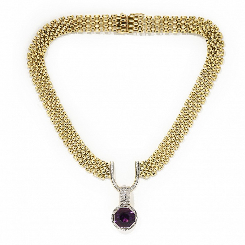18k yellow gold, diamonds and amethyst choker