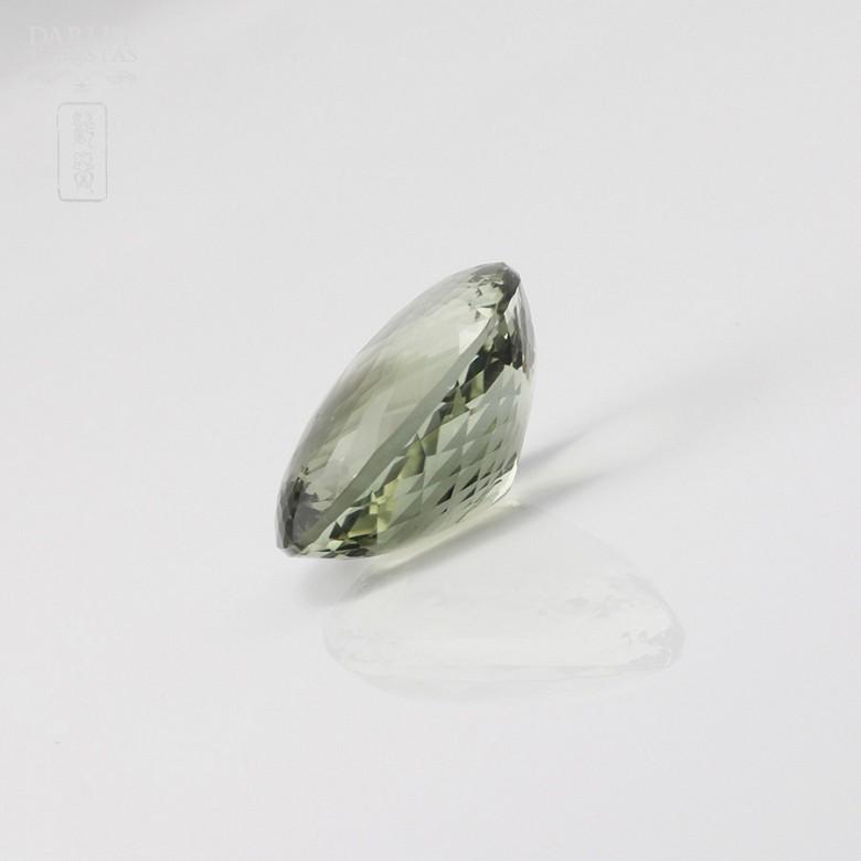 Amatista 38,40 cts de color verde olivo intenso en talla cojín facetada - 1
