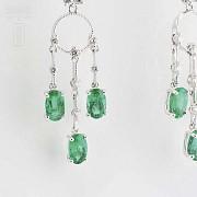 Earrings in 18k white gold, emeralds and diamonds - 2