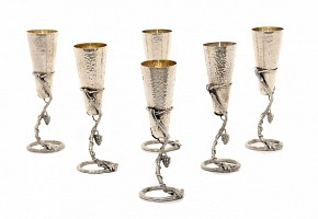 Lot of 6 glasses of champagne with vine foot.