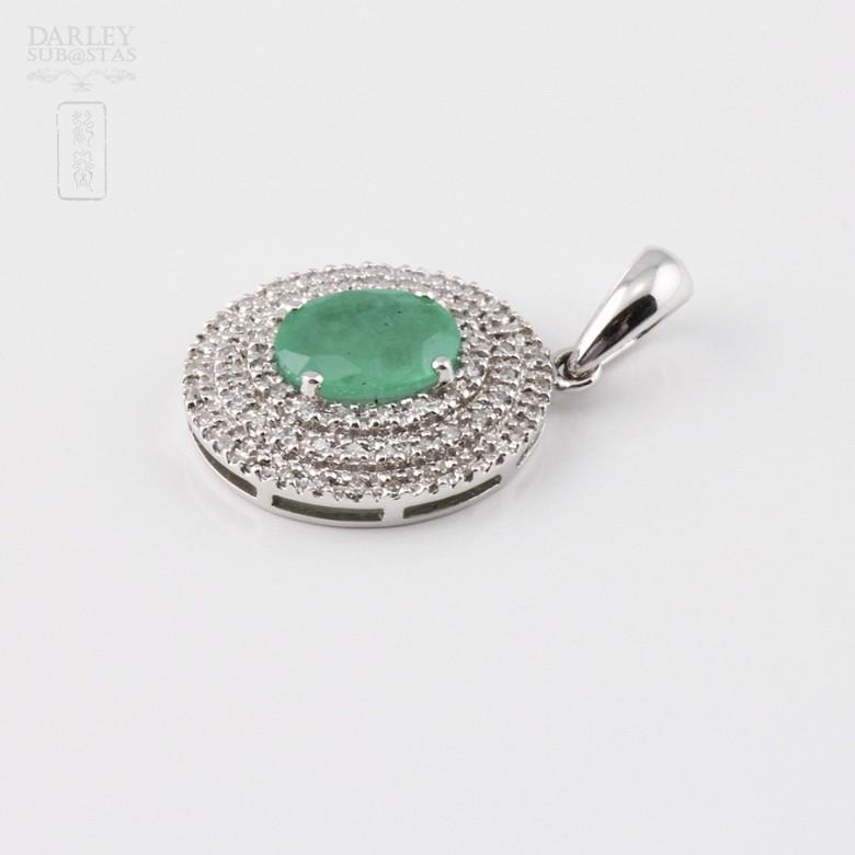 Colgante con esmeralda 1.26cts y diamantes en oro blanco de 18k - 1