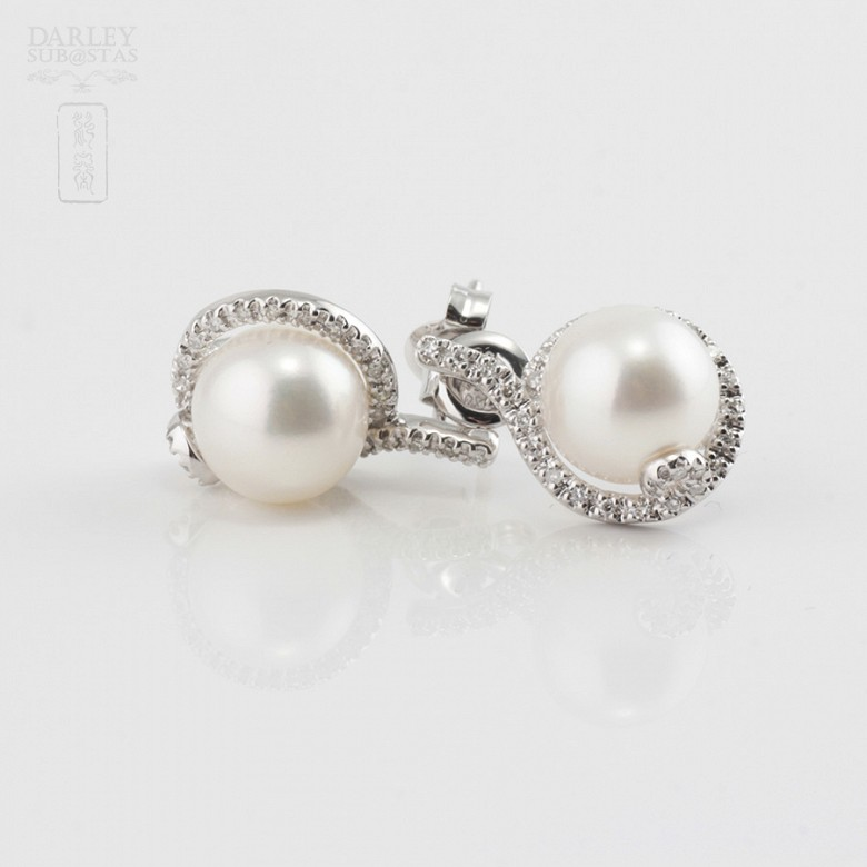 Nice earrings with pearl and diamonds - 1