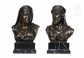 Pair of bronze busts with marble base, 20th century