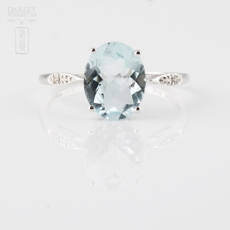Ring with Aquamarine 1.98 cts and diamonds in 18k white gold - 3