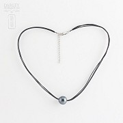 Necklace with Tahitian Pearl Natural Leather