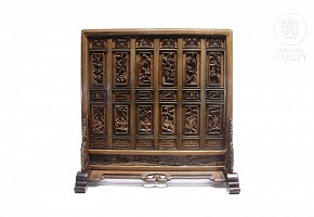 Carved wooden folding screen, China, Qing Dynasty.