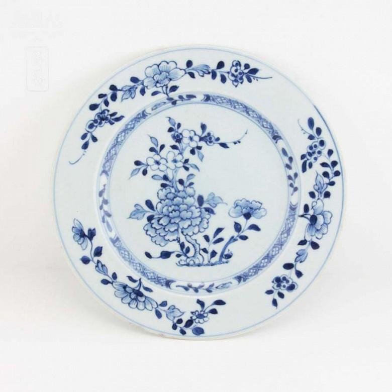 十八世纪青花花卉瓷盆