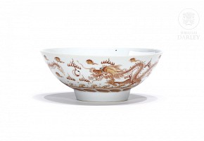 Porcelain bowl with dragons, enameled, 20th century
