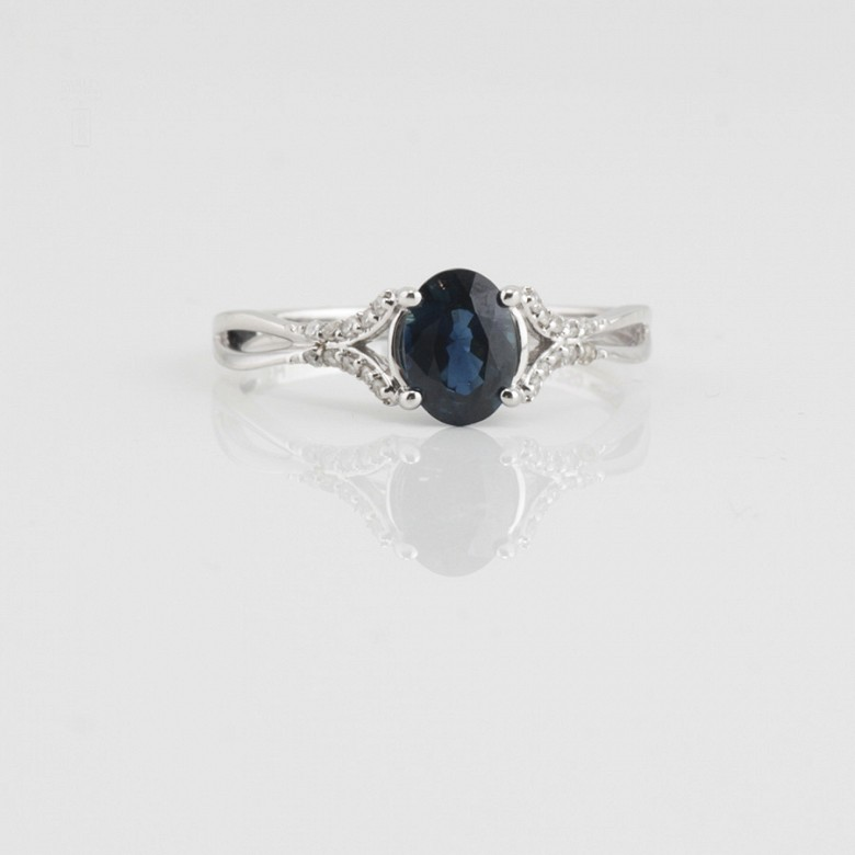 18k white gold ring, diamonds and sapphire - 1