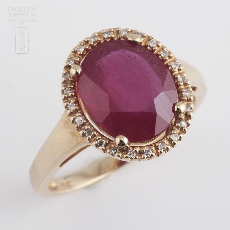 3.24克拉天然红宝石配钻石18K玫瑰金戒指