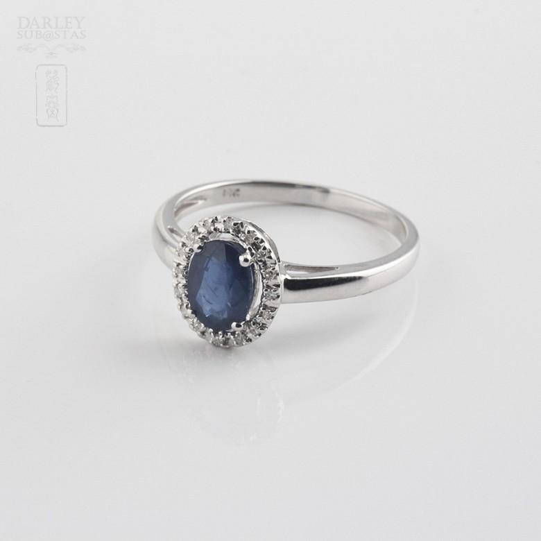 0.93克拉天然蓝宝石配钻石18K白金戒指 - 1