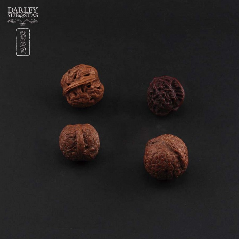 Four carved nuts - 3